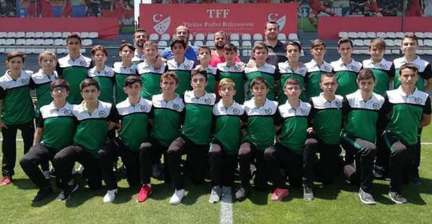 Gençlik Merkezi Türkiye'de 3.'lük maçına çıkıyor