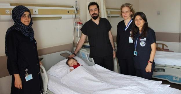SAÜEAH'de yarık damak ameliyatları başladı