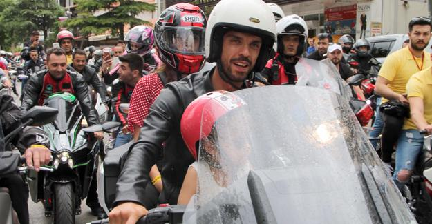 Sofuoğlu motosiklet festivaline katıldı