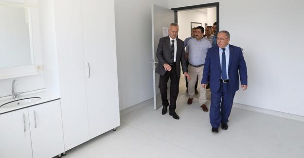 Vali Nayir Sağlık ve Koordinasyon Merkezi'ni inceledi