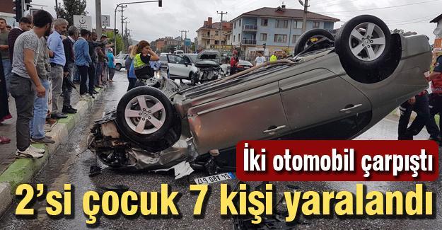 İki otomobil çarpıştı! 7 yaralı