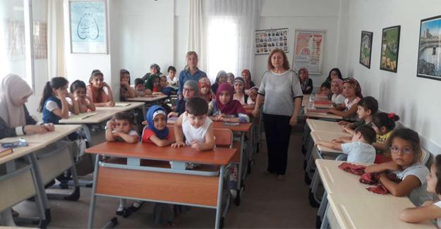 """Yaz Kur'an kurslarında """"Sağlıklı nesiller"""" eğitimi"""