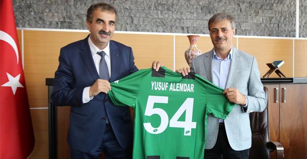 Başkan Alemdar Sakaryaspor'un yeni yönetimini ağırladı
