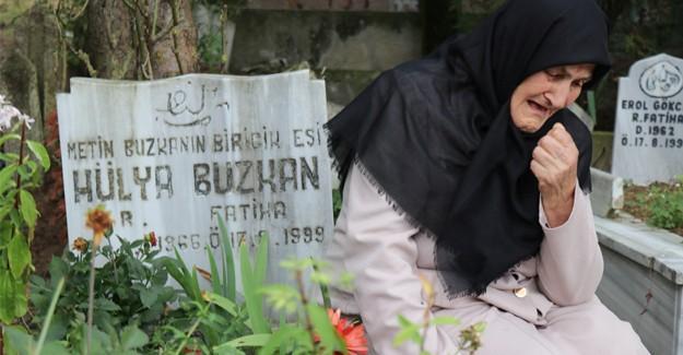 Deprem şehitleri mezarları başında yad edildi
