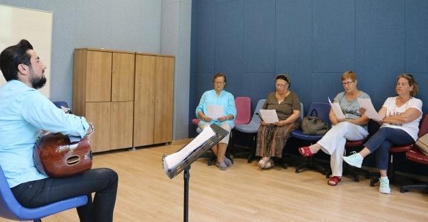 YADEM müzik korosu çalışmalarına başladı