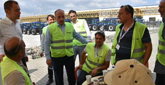 Başkan Kılıç Türk Traktör'ü gezdi