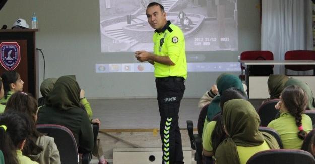 'Çocuklar İçin Trafik Eğitimi Projesi' sürüyor