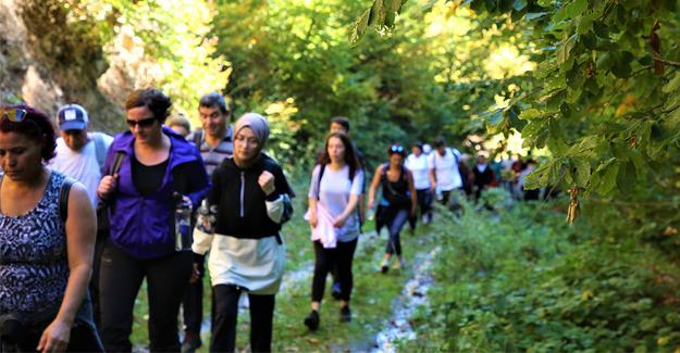Doğaseverler Pamukova'da yürüdü