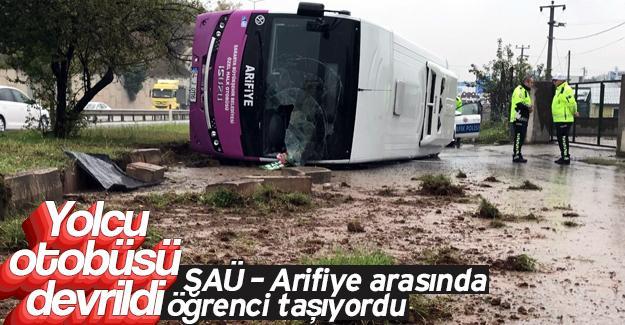 Kontrolden çıkan otobüs devrildi