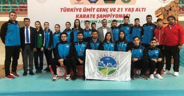 Büyükşehirli karatecilerden 6 madalya
