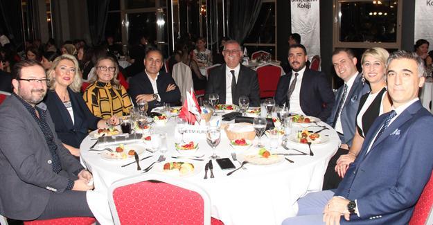 Özel Sakarya Bahçeşehir Koleji Öğretmenler Günü kutladı