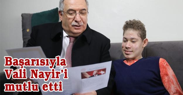 Hidrosefali hastası Furkan karnesini Vali Nayir'den aldı