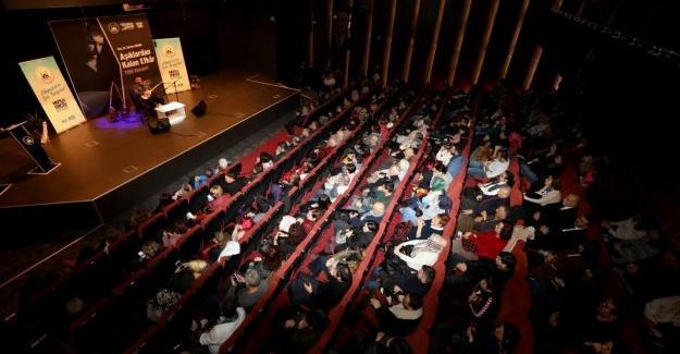 OKM'de Türkülerle duygu dolu bir gece
