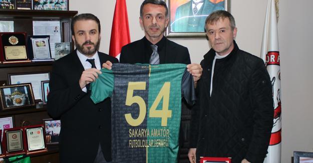 Sakaryaspor'a amatör destek