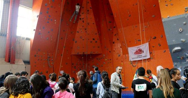 Tırmanış yarışmasında zirve Macera Park öğrencilerinin
