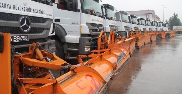 Büyükşehir ekipleri karla mücadeleye hazır