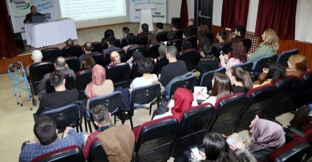 Osmanlı'da şiirin yeri ve önemi konuşuldu