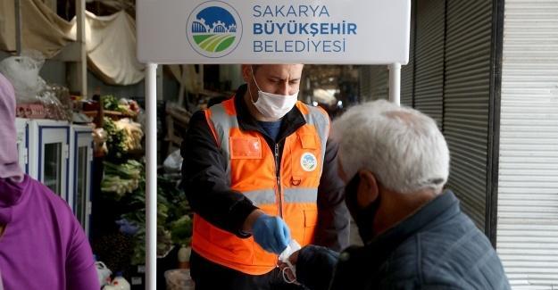 Büyükşehir, ilçelerde koronavirüsle mücadeleyi sürdürüyor