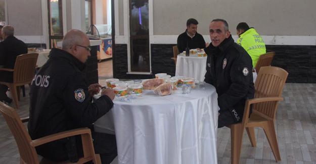 Emniyet Müdürü Kaya polislerle iftar yaptı