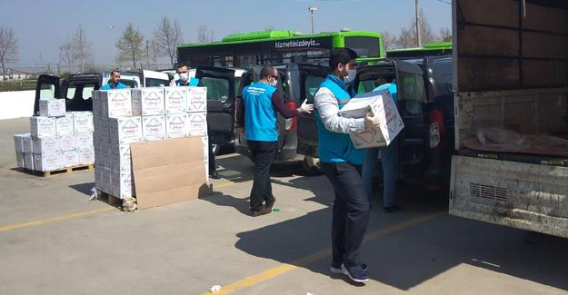 Gıda kolileri şehrin dört bir yanına ulaşıyor