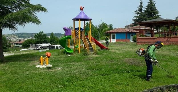 Adapazarı'nda parklar çocuklar için hazırlanıyor