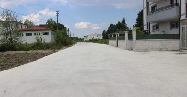 Arifiye'de beton yol çalışmaları sürüyor