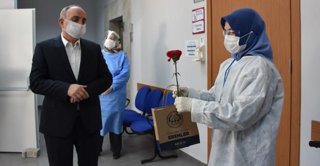 Başkan Kılıç sağlık çalışanlarının Anneler Gününü kutladı