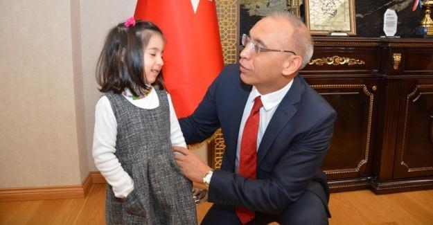 İl Emniyet Müdürü Kaya'dan çocuklara büyük jest