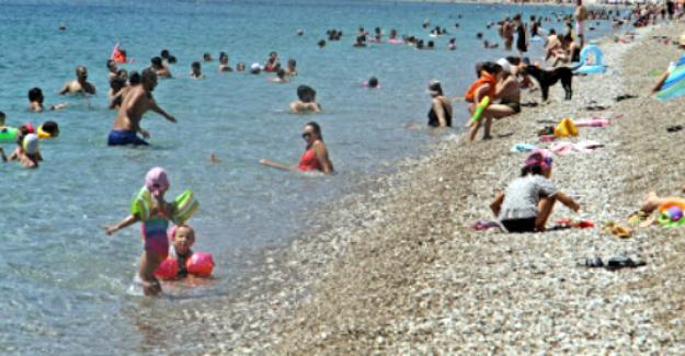 Denize giren vatandaşların kabusu olan hırsızlar yakalandı