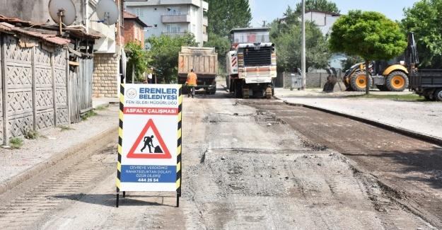 Erenler'de asfalt çalışmaları sürüyor