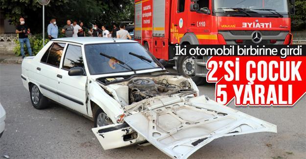 İki otomobil birbirine girdi: 5 yaralı