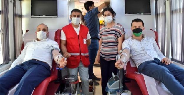 Başkan Kılıç kan bağışında bulundu