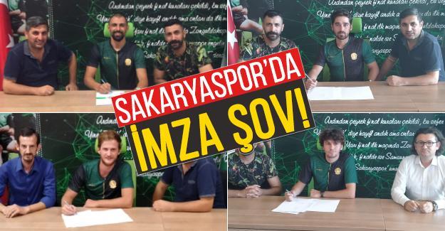 Sakaryaspor'da imzalar peş peşe geliyor
