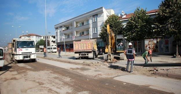 Büyükşehir, Erenler'de altyapı çalışmalarına devam ediyor