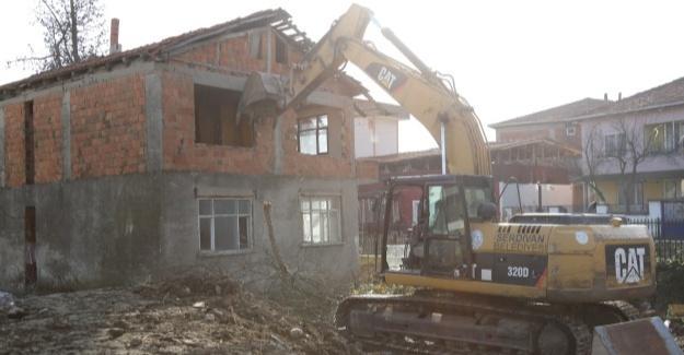 Kent estetiği için o yapılar kaldırılıyor