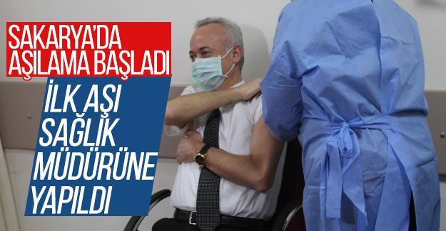 Sakarya'da ilk aşı Sağlık Müdürü Öğütlü'ye yapıldı