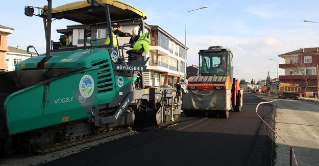 Süleyman Binek Caddesi asfaltlanıyor