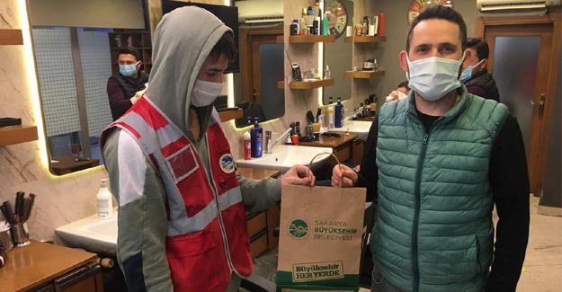 Büyükşehir'den her eve maske