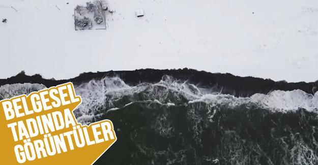 Karadeniz'in hırçın dalgaları karla buluştu