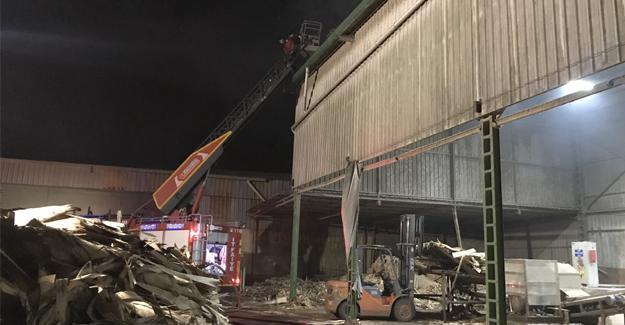 Kontrplak fabrikasında korkutan yangın
