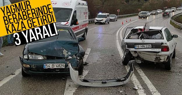 Yağış beraberinde kaza getirdi: 3 yaralı