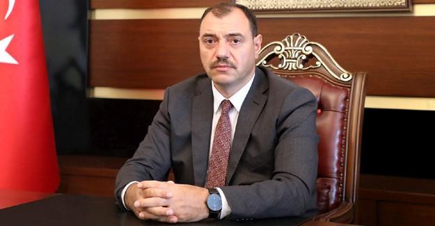 Vali Kaldırım 1 Mayıs'ı kutladı