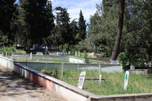 Tam kapanmada mezarlıklar bayram öncesi boş kaldı