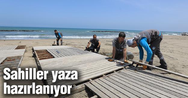 Karasu'daki plajlarda bakım ve yenileme çalışması başlatıldı