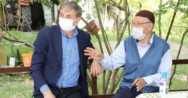 Serdivan'da şehit aileleriyle bayramlaşıldı