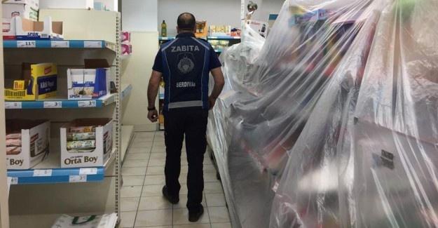 Serdivan'da marketler denetlendi