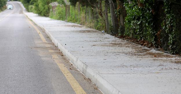 Kırsal mahallelere beton yaya yolu