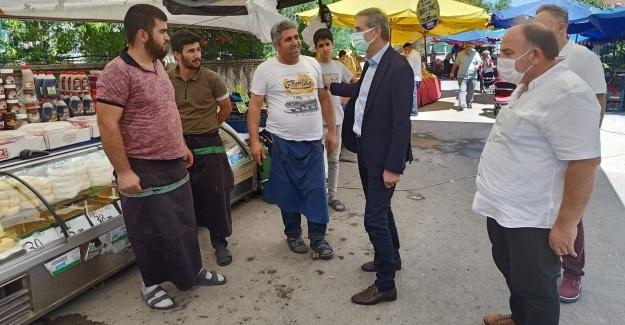 Başkan Alemdar yeni pazar yerinde esnafı ziyaret etti