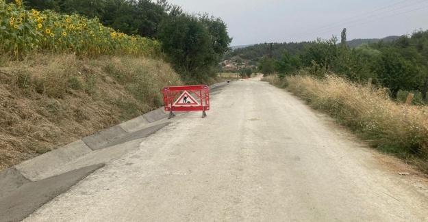 Büyükşehir V kanal imalatı ile yol güvenliğini artırıyor
