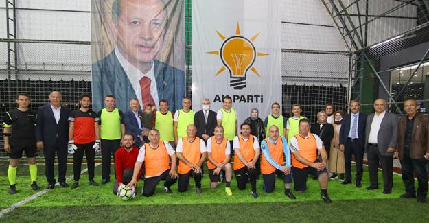AK Gençlik Sakarya başkanları yeşil sahada buluşturdu